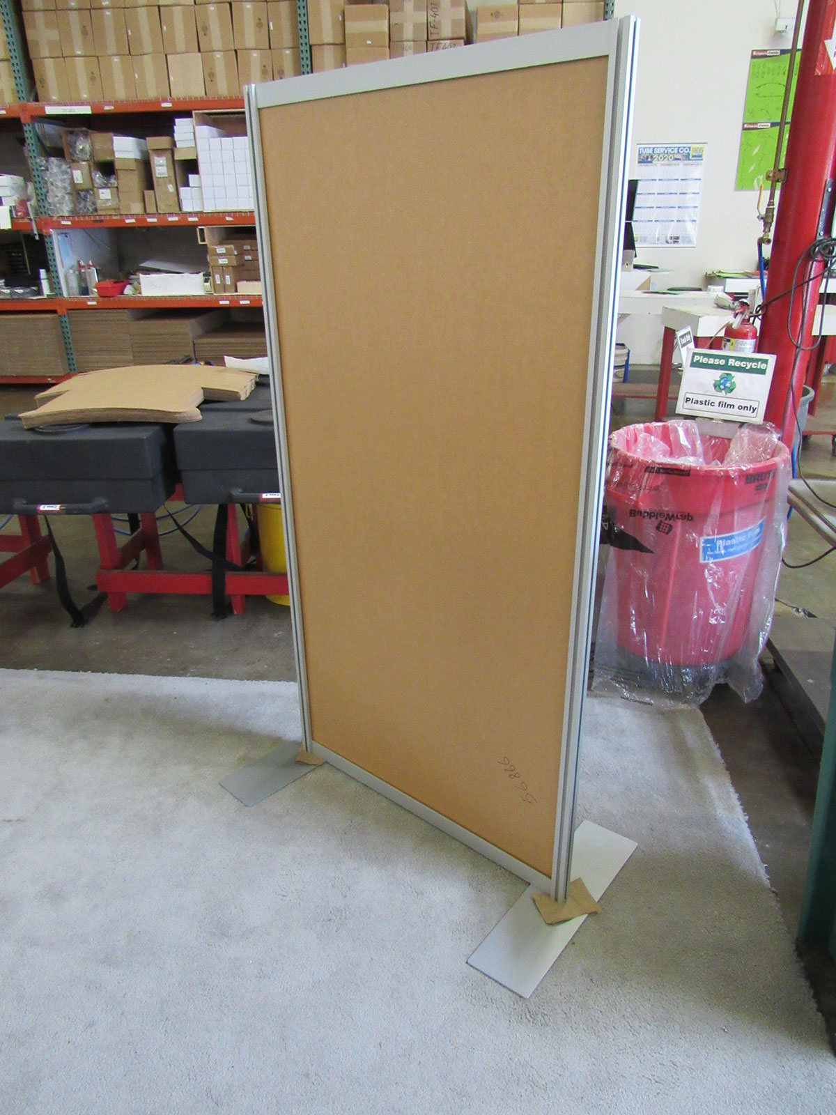 Flat and L-Shaped Safety Dividers with Base Plates or Castors -- Image 1